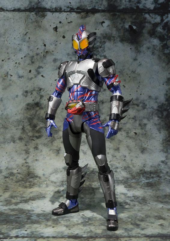 S.H.フィギュアーツ 仮面ライダーアマゾンネオ-001