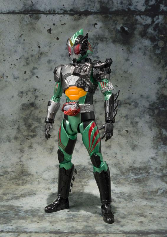S.H.フィギュアーツ 仮面ライダーアマゾン ニューオメガ-001