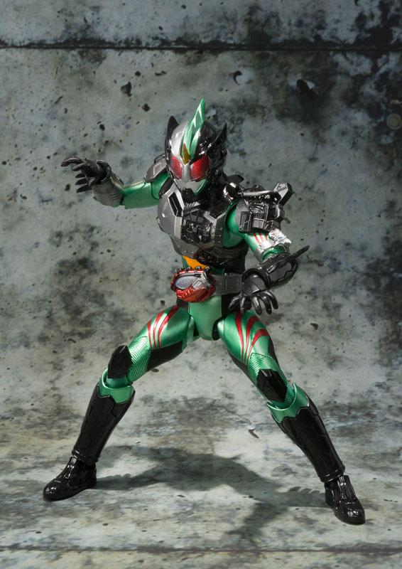S.H.フィギュアーツ 仮面ライダーアマゾン ニューオメガ-003
