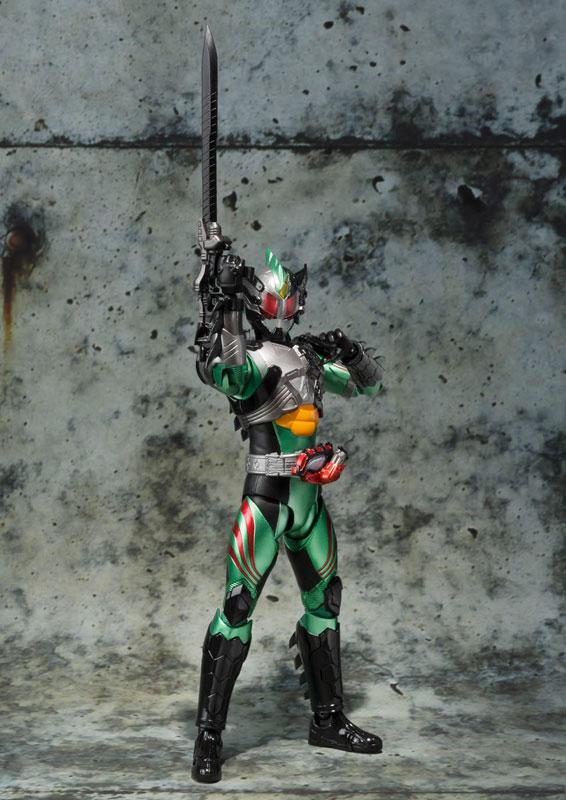 S.H.フィギュアーツ 仮面ライダーアマゾン ニューオメガ-004