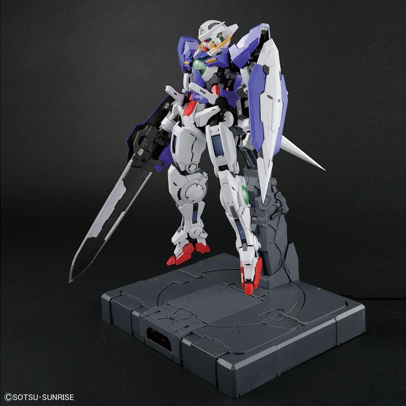 PG 1/60 ガンダムエクシア (LIGHTING MODEL) プラモデル-011