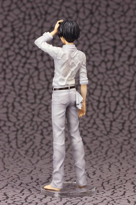 進撃の巨人 リヴァイ 1/8 完成品フィギュア-003