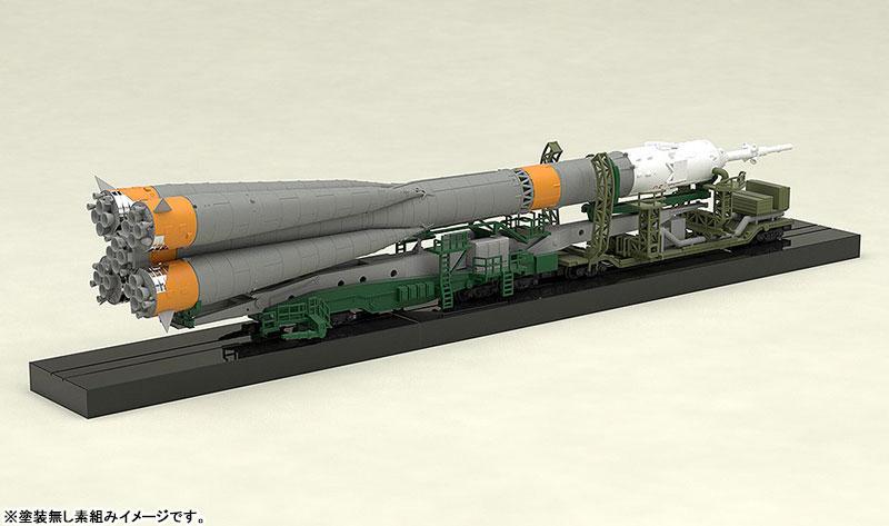 1/150 ソユーズロケット+搬送列車 プラモデル-010