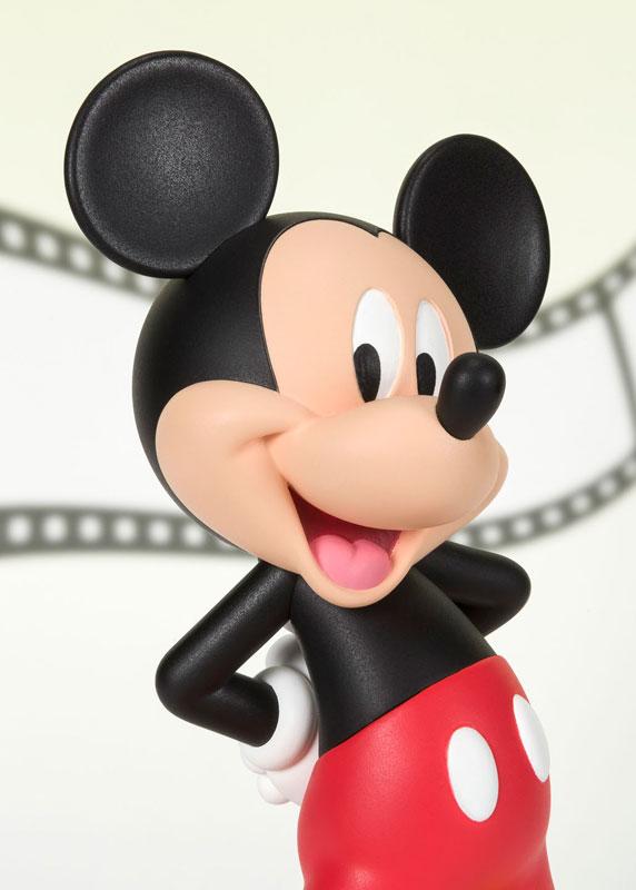 フィギュアーツZERO『ミッキーマウス MODERN』完成品フィギュア-004