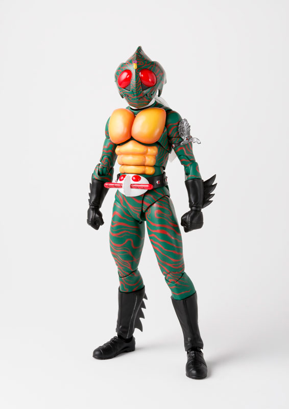 S.H.フィギュアーツ『仮面ライダーアマゾン(真骨彫製法)』可動フィギュア-001