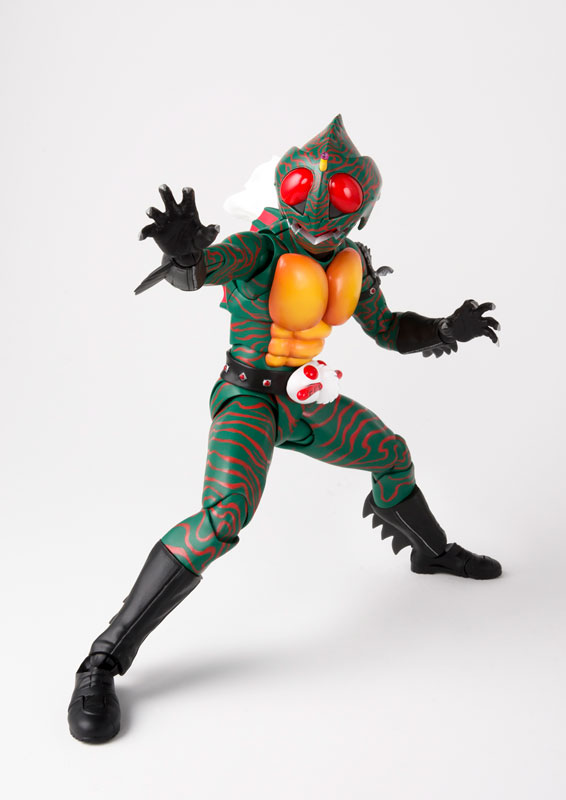 S.H.フィギュアーツ『仮面ライダーアマゾン(真骨彫製法)』可動フィギュア-003
