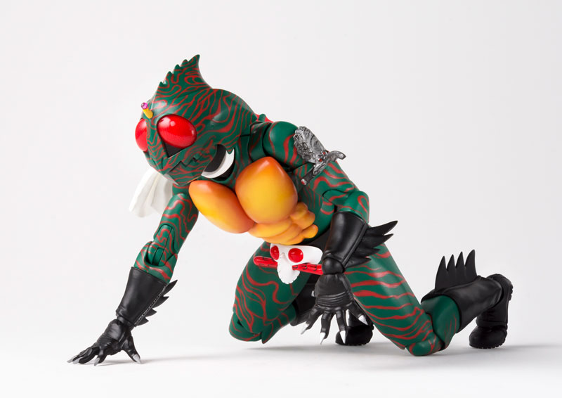 S.H.フィギュアーツ『仮面ライダーアマゾン(真骨彫製法)』可動フィギュア-005