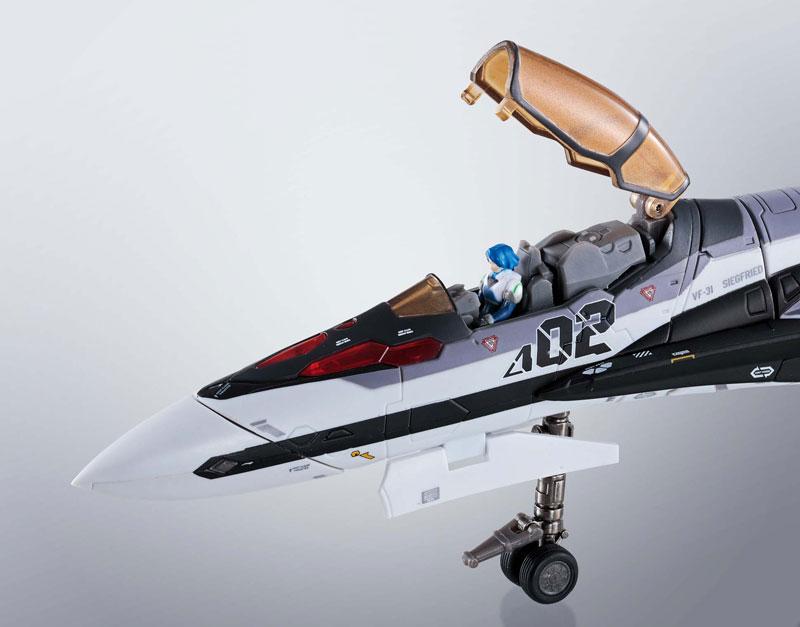 DX超合金『マクロスΔ 劇場版VF-31F ジークフリード(メッサー・イーレフェルト/ハヤテ・インメルマン搭乗機)』可変可動フィギュア-013
