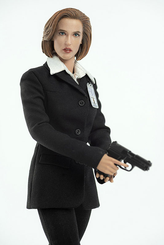 THE X FILES(X-ファイル)『AGENT SCULLY(スカリー捜査官)』1/6 可動フィギュア-002