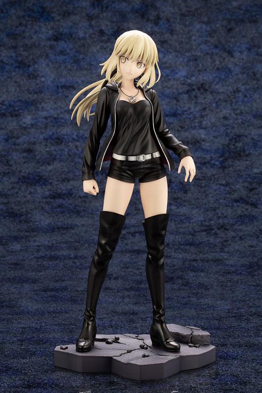 Fate/Grand Order『セイバー/アルトリア・ペンドラゴン〔オルタ〕私服ver.』1/7 完成品フィギュア-002