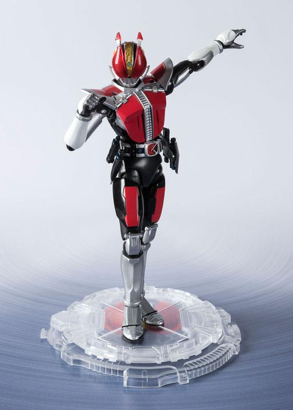 S.H.フィギュアーツ『仮面ライダー電王 ソードフォーム -Kamen Rider Kicks Ver.-』可動フィギュア-001