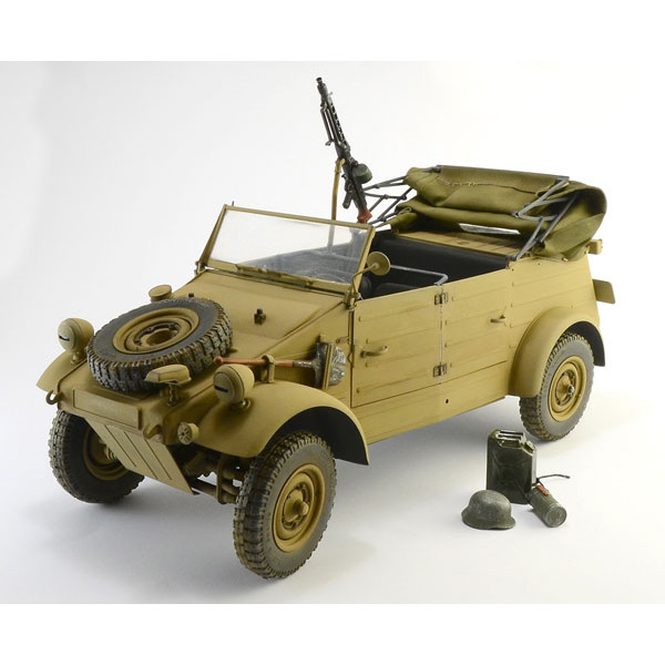 WW.II ドイツ軍『キューベルワーゲン Type82』1/9 プラモデル