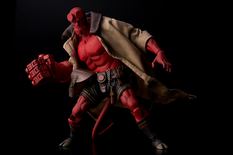 Hellboy『ヘルボーイ』1/12 可動フィギュア-003
