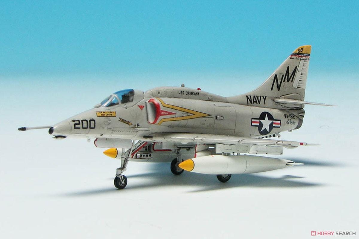"""1/144『A-4E/F スカイホーク """"ダムバスターズ/ゴールデンドラゴンズ""""(2機セット)』プラモデル-002"""