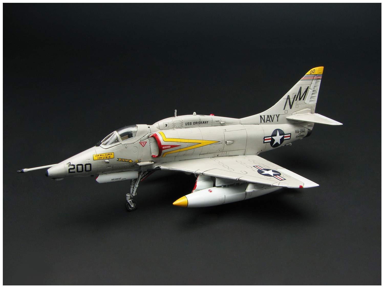 """1/144『A-4E/F スカイホーク """"ダムバスターズ/ゴールデンドラゴンズ""""(2機セット)』プラモデル-003"""