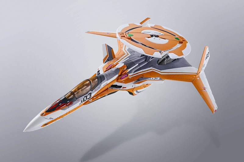 DX超合金『VF-31Eジークフリード(チャック・マスタング機)』マクロスΔ 可変可動フィギュア-011
