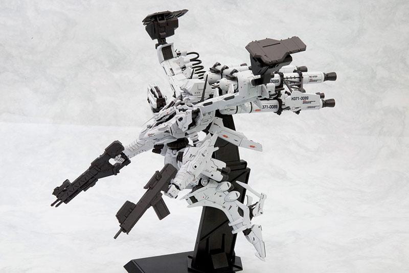 【再販】アーマード・コア V.I.シリーズ『ホワイト・グリント&V.O.Bセット ムービーカラーVer.』1/72 プラモデル-001