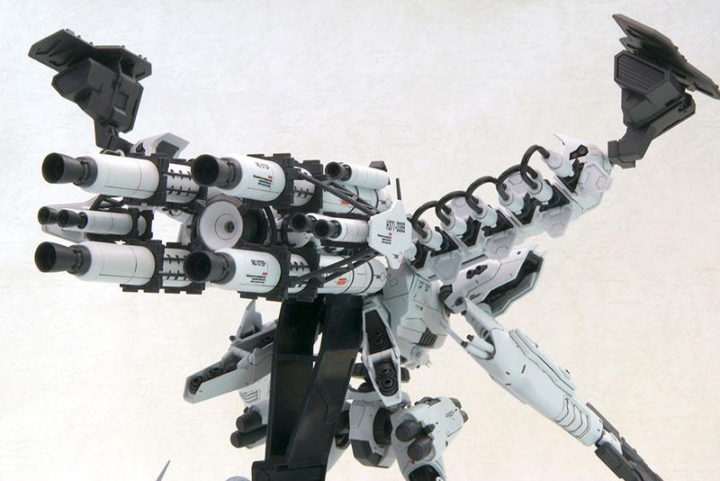 【再販】アーマード・コア V.I.シリーズ『ホワイト・グリント&V.O.Bセット ムービーカラーVer.』1/72 プラモデル-011