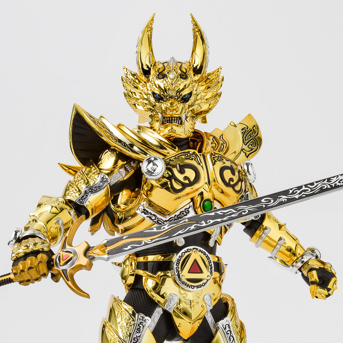 S.H.フィギュアーツ(真骨彫製法)『黄金騎士ガロ(冴島雷牙)』牙狼〈GARO〉可動フィギュア-001