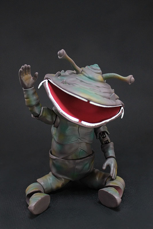 MAF(モンスターアクションフィギュア)『カネゴン』レッドマン 可動フィギュア-006