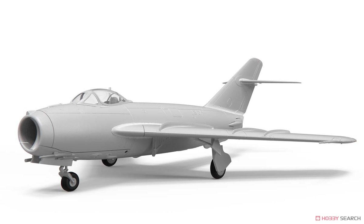 1/72『ミコヤン・グレヴィッチ MiG-17 フレスコ(瀋陽飛機工廠 J-5)』プラモデル-002