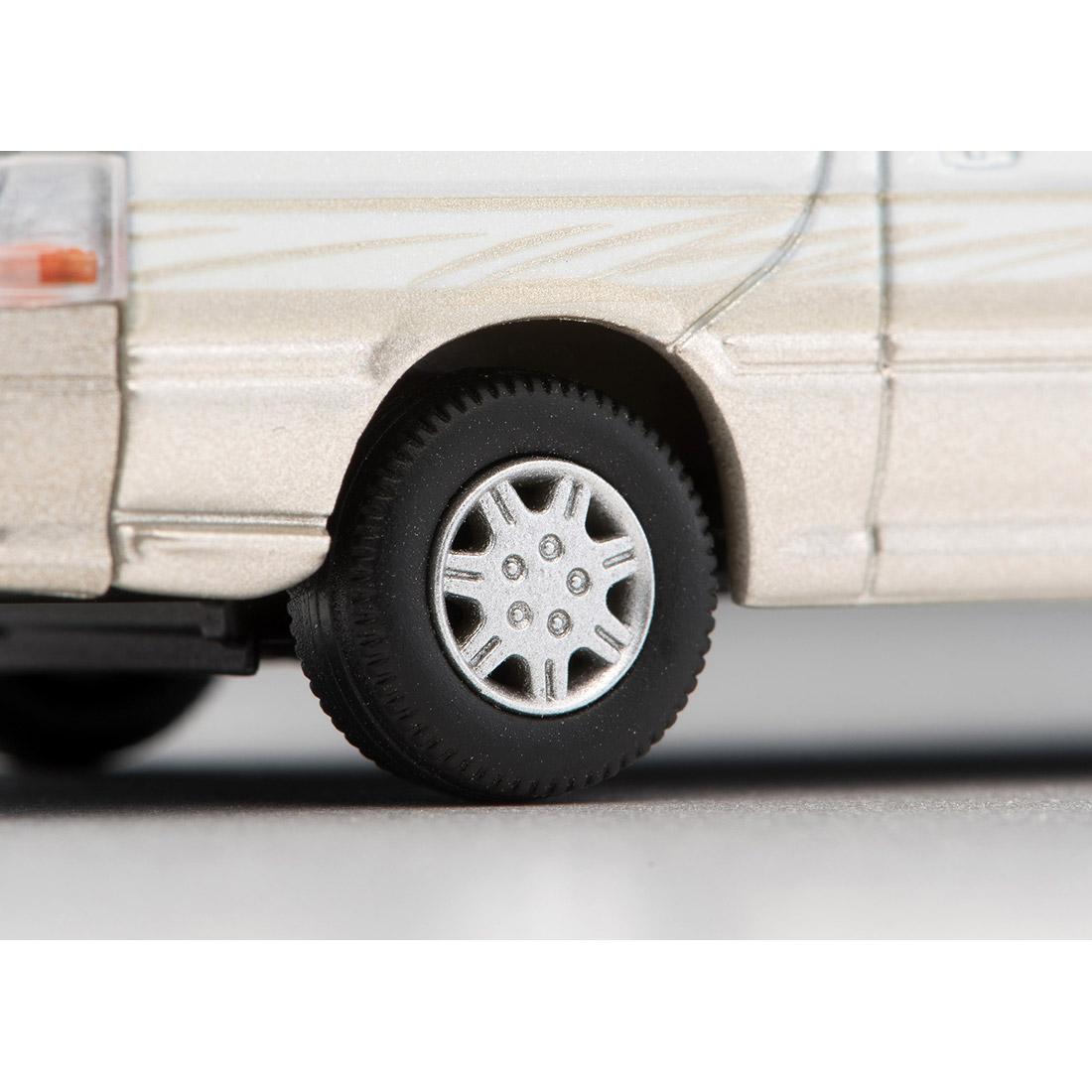 トミカリミテッド ヴィンテージ ネオ TLV-NEO『LV-N216a ハイエースワゴン リビングサルーン EX(白/ベージュ)』1/64 ミニカー-008