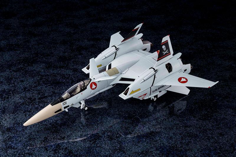 超時空要塞マクロス Flash Back 2012『完全変形VF-4A ライトニングIII 一条輝 搭乗機』1/60 可変可動フィギュア-001