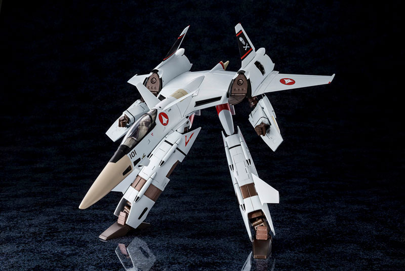 超時空要塞マクロス Flash Back 2012『完全変形VF-4A ライトニングIII 一条輝 搭乗機』1/60 可変可動フィギュア-004