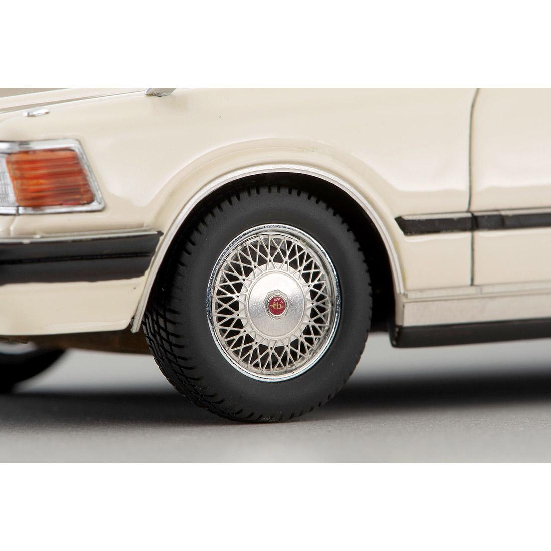イグニッションモデル『T-IG4325 日産セドリックHT 280E ブロアム(白)』1/43 ミニカー-008