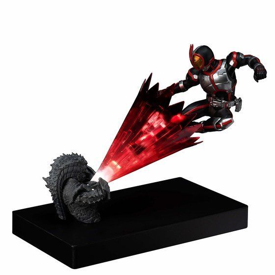 Glow In The Dark『仮面ライダーファイズ』仮面ライダー555 完成品フィギュア