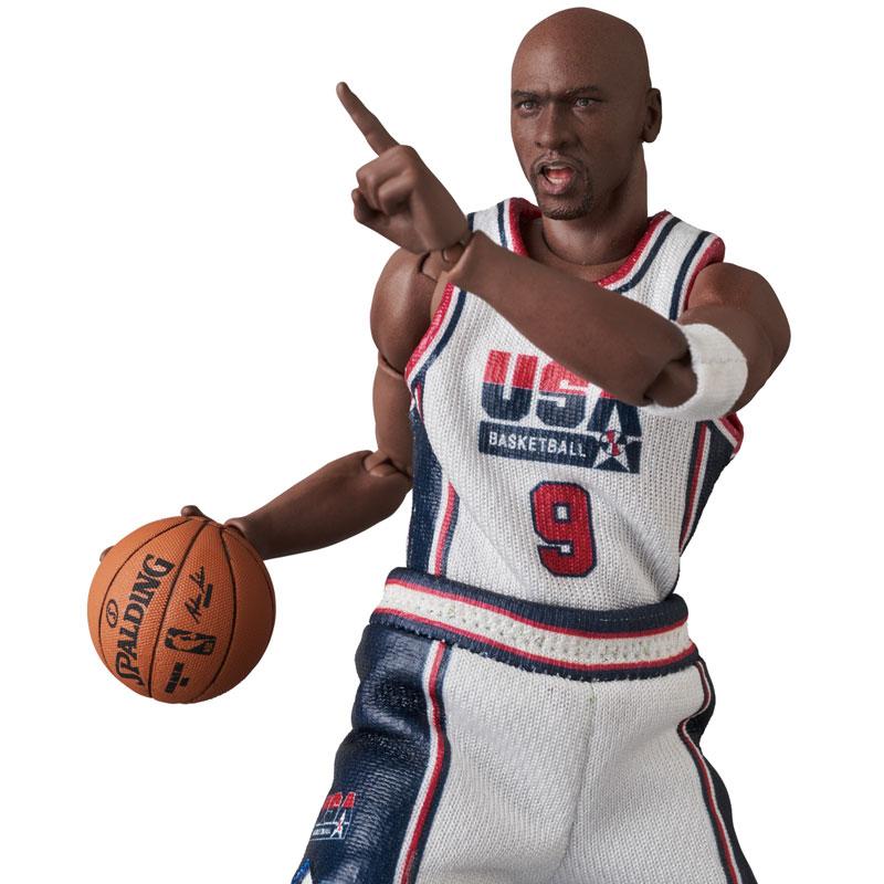 マフェックス No.100『Michael Jordan(Chicago Bulls)』可動フィギュア-002