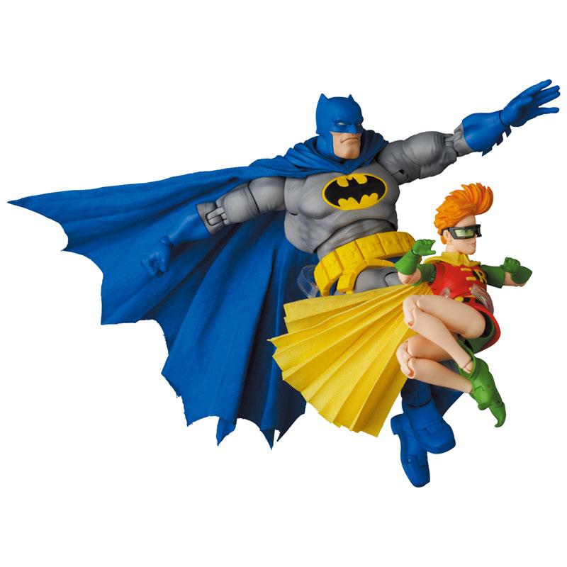 マフェックス No.133『MAFEX BATMAN BLUE Ver. & ROBIN(The Dark Knight Returns)/バットマン&ロビン』可動フィギュア-002