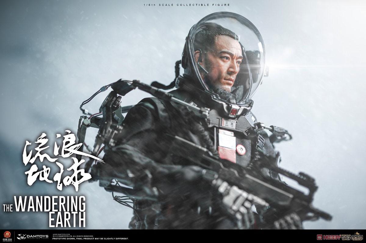 流転の地球『CN171-11救援隊 キャプテン ワン・レイ』1/6 コレクティブル可動フィギュア-002