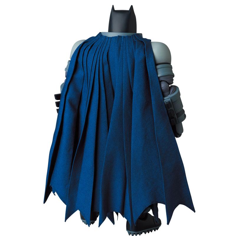 マフェックス No.146 MAFEX『アーマード・バットマン/ARMORED BATMAN』バットマン: ダークナイト・リターンズ 可動フィギュア-004