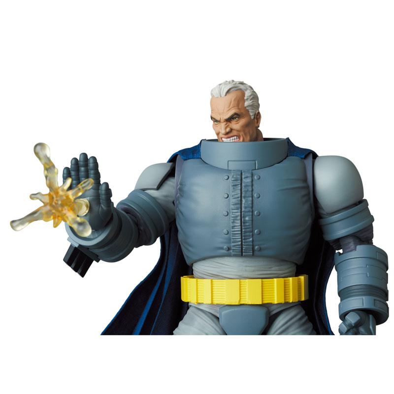 マフェックス No.146 MAFEX『アーマード・バットマン/ARMORED BATMAN』バットマン: ダークナイト・リターンズ 可動フィギュア-008