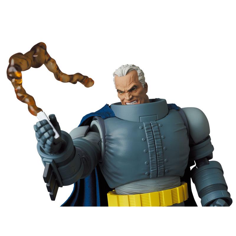 マフェックス No.146 MAFEX『アーマード・バットマン/ARMORED BATMAN』バットマン: ダークナイト・リターンズ 可動フィギュア-009