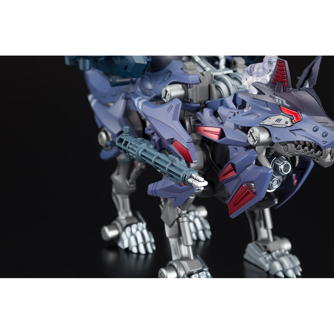 ゾイドワイルド『ビクター・スピーゲル専用ハンターウルフ』組み立て可動フィギュア-003