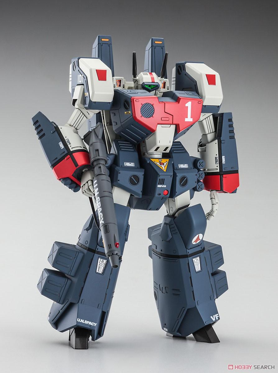 超時空要塞マクロス『VF-1J アーマード バルキリー』1/72 プラモデル-001